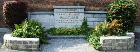 Коммуна Hermalle-sous-huy. Военный мемориал обеих войн.