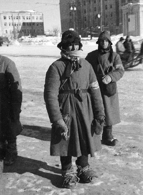 Полиция, похожая на бомжей. г. Курск, ноябрь 1941 г.