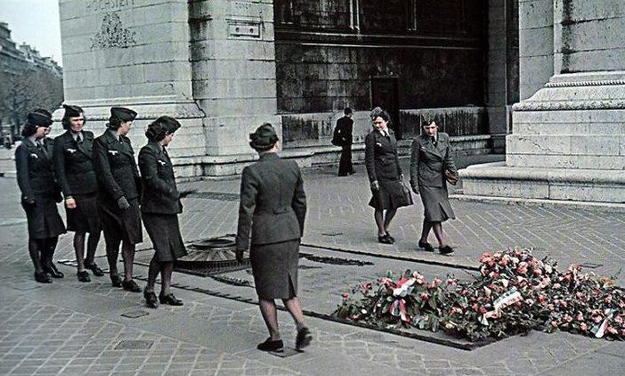 Немецкие женщины – военнослужащие вспомогательных подразделений. 1940 г.