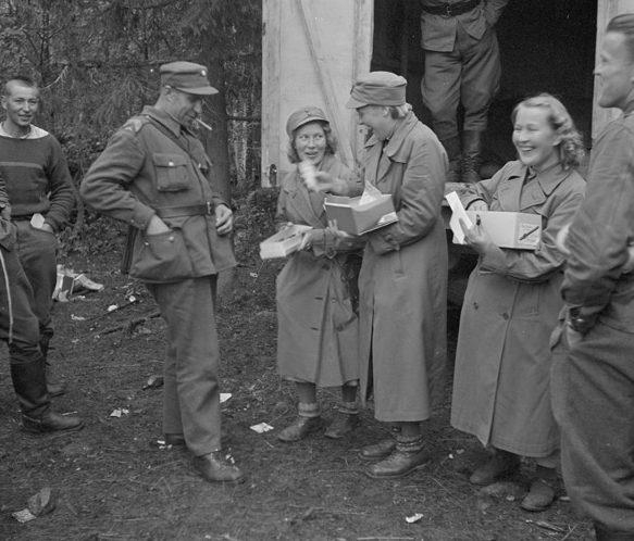 Подарки солдатам в Карелии собранные «Lotta Svärd». 1941 г.