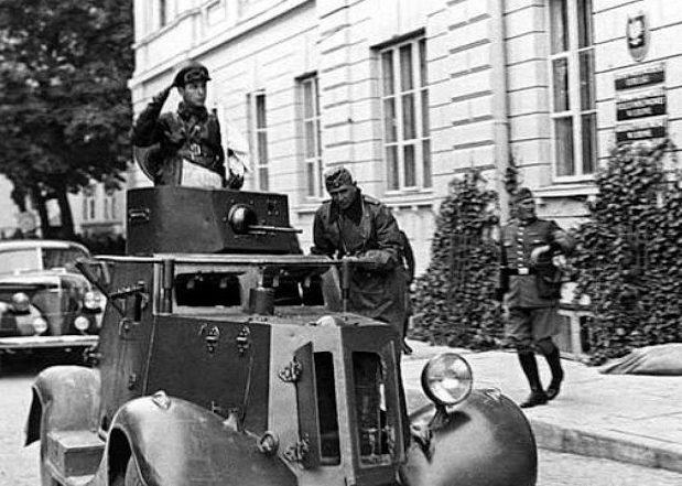 Советская бронемашина. Брест. 22 сентября 1939 г.