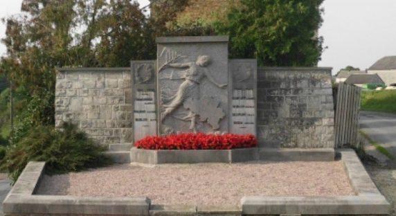 Коммуна Les avins. Памятник погибшим воинам обеих войн.