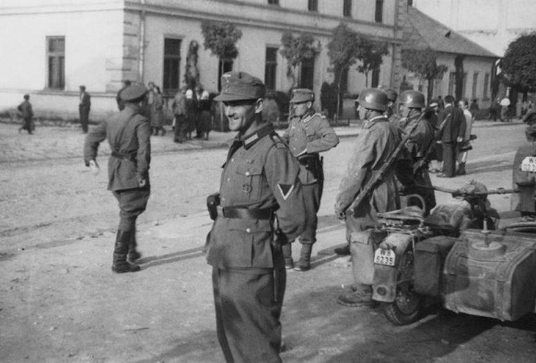 Советские и немецкие войска в Самборе. Львовской области. Сентябрь 1939 г.