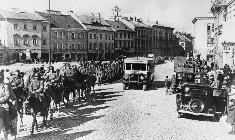 Красная Армия занимает Вильно. Сентябрь 1939 г.