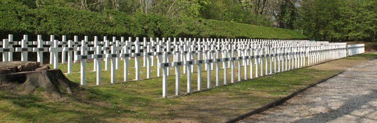 г. Льеж (Luik). Кладбище на территории цитадели Льежа, где похоронено 415 воинов и жертв Второй мировой войны.