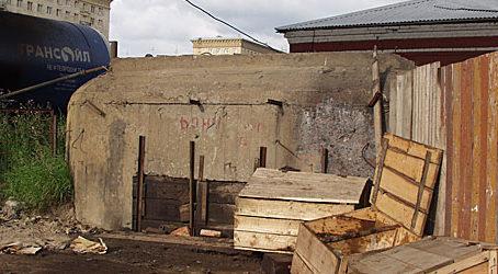 ДОТ №107, рубеж «Ижора». г. Санкт-Петербург, под Кронштадтским путепроводом на дороге в Угольную гавань.