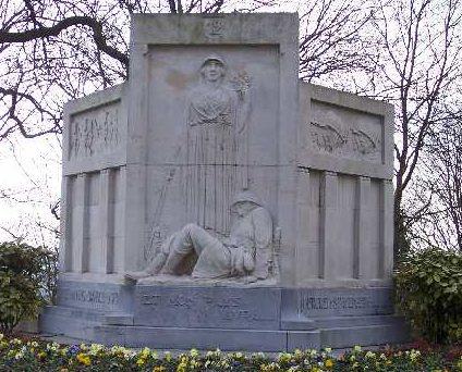 г. Льеж (Luik). Памятник 12-му пехотному полку на территории цитадели Льежа.
