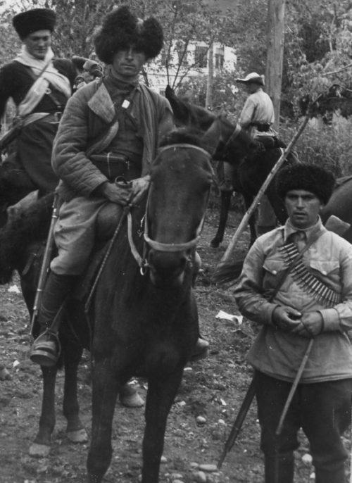 Терские казаки из отрядов самообороны. 1943 г.