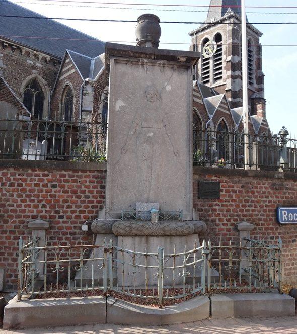 Коммуна Liers. Памятник жертвам обеих войн.