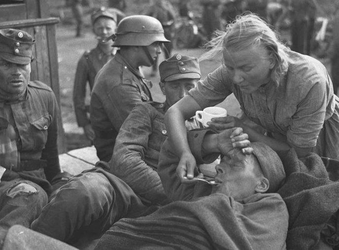 Приемный пункт госпиталя. Август 1941 г.