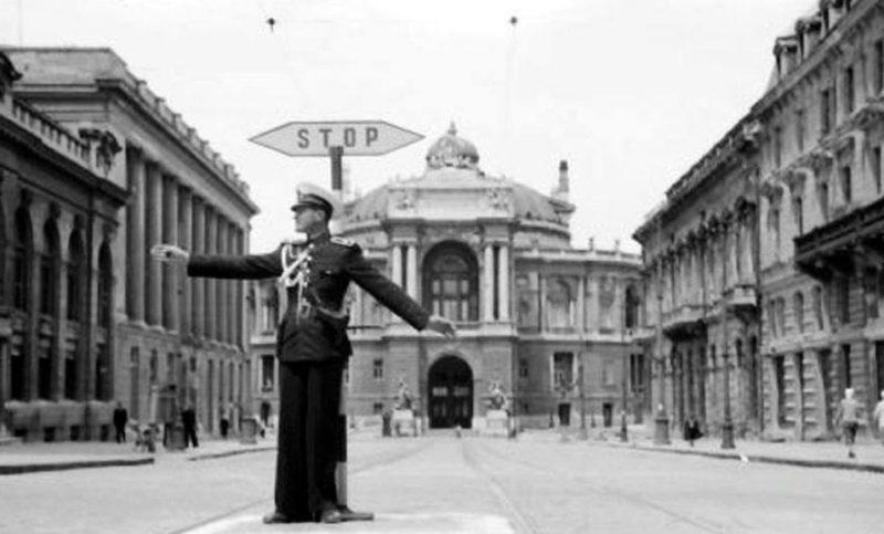 Румынский регулировщик на Ришельевской. Сентябрь 1942 г.