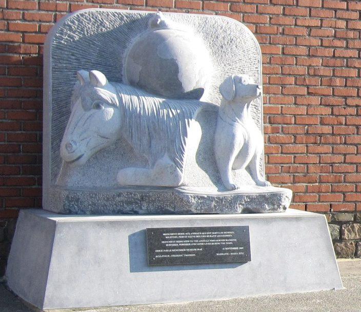г. Клермон-сюр-Бервинн. Памятник животным войны.