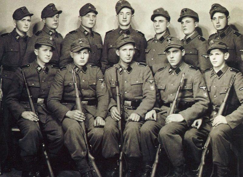 Вояки дивизии СС «Галиция». 1943 г.