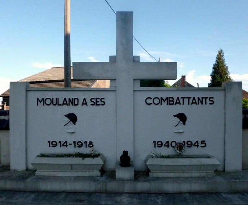 Коммуна Moelingen. Памятник в честь борцов обеих войн, установленный на общинном кладбище.