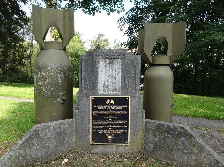 Муниципалитет Dolhain. Памятник в честь 86-го батальона.
