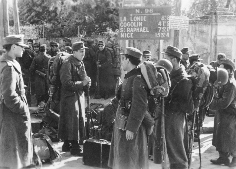 Легионеры Армянского легиона вермахта, прибывшие для укрепления обороны побережья Средиземного моря во Франции. Февраль 1944 г.