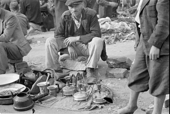 Блошиный рынок. Июль 1943 г.