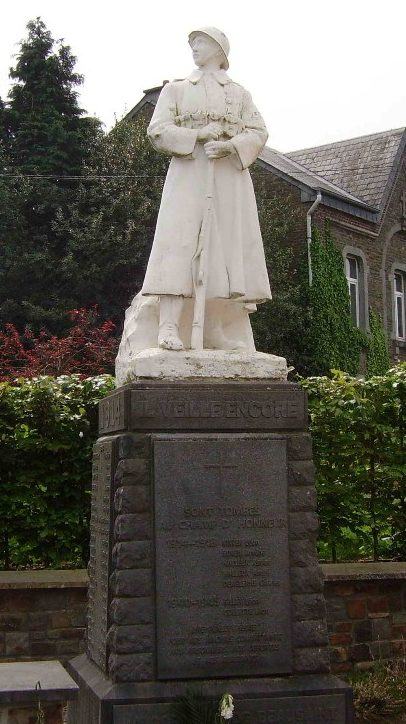 Муниципалитет Beausaint. Военный мемориал обеих войн.