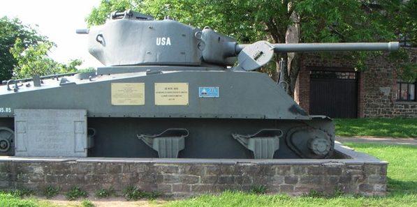 Коммуна Beffe. Памятник участникам Второй мировой войны.