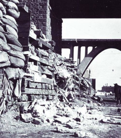 Разрушения в городе. Весна 1944 г.
