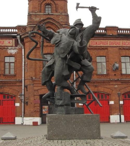 Памятник пожарным.