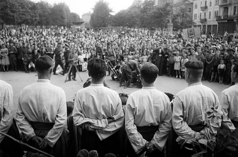 Город после освобождения. 1944 г.