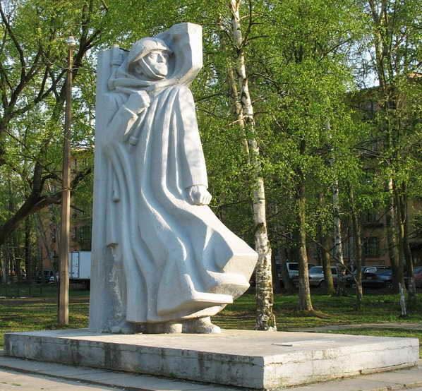 Памятник бойцам народного ополчения.