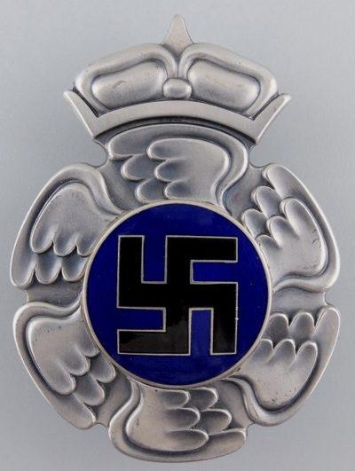 Аверс и реверс знака пилота до 1944 г.
