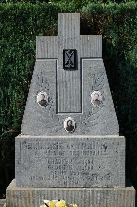 Коммуна Треймонта (Traimont). Памятник погибшим во Второй мировой войне.