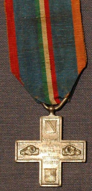 Аверс и реверс памятного креста 8-й и 10-й армии.