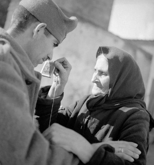 Проводы солдата на войну. Афины. Октябрь, 1940 г.