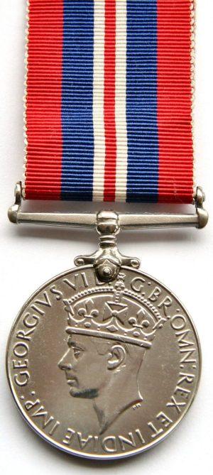 Аверс и реверс Военной медали 1939-45.