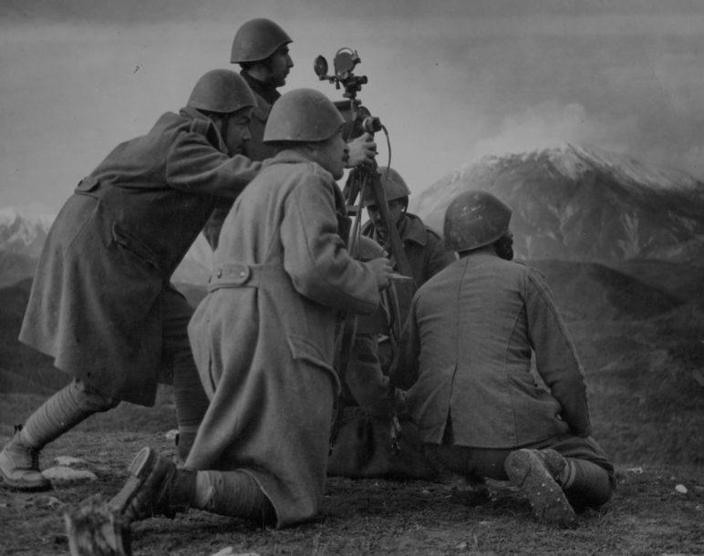 Греческие артиллеристы во время войны с Италией. Осень, 1940 г.