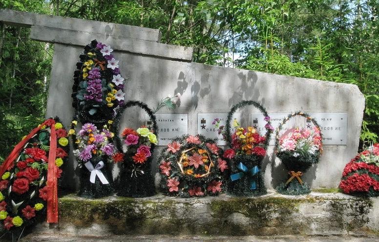 п. Балтиец Выборгского р-на. Памятник, павшим воинам 169 полка 86 дивизии.