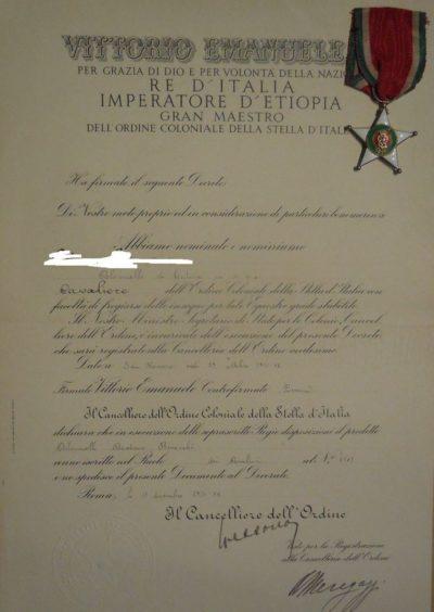 Свидетельство о награждении знаком Кавалер Колониального ордена Звезды Италии.