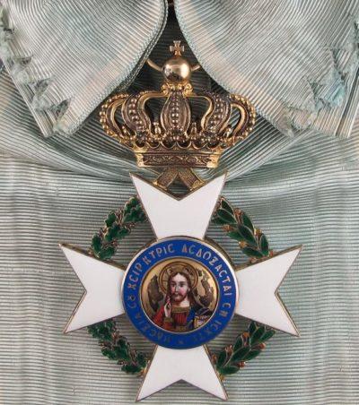 Большой крест ордена Спасителя на ленте-перевязи.