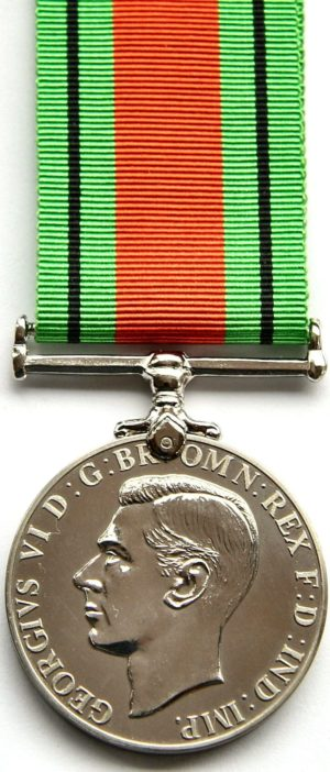 Аверс и реверс медали «За оборону».