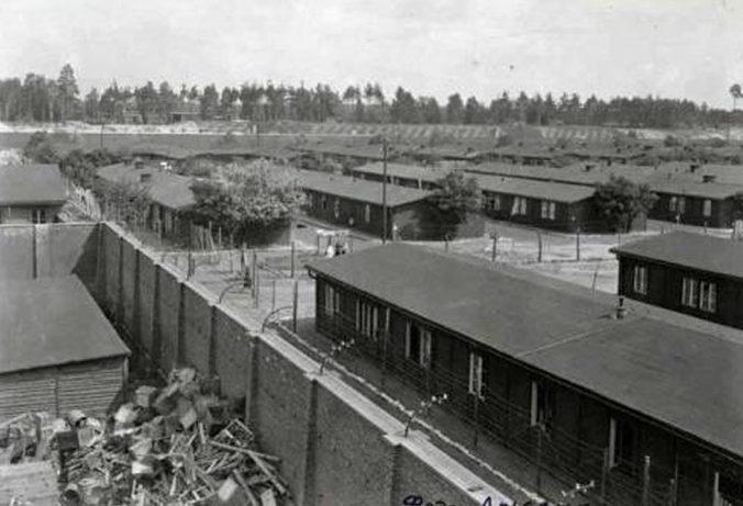 Лагерь после освобождения заключенных. 1945 г.