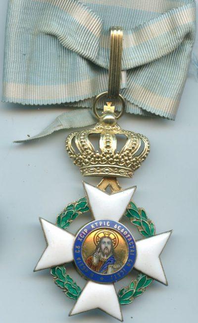 Командорский крест ордена Спасителя на шейной ленте.