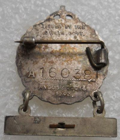 Аверс и реверс знака женщины-родственницы военнослужащего.