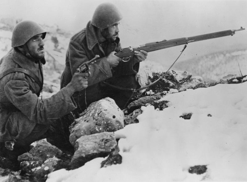Греческая пехота в обороне. Декабрь 1940 г.