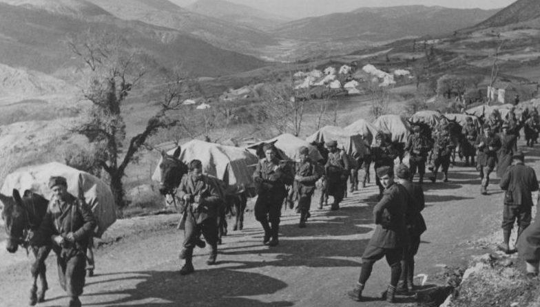 Итальянские альпийские стрелки в горах Греции. Декабрь, 1940 г.