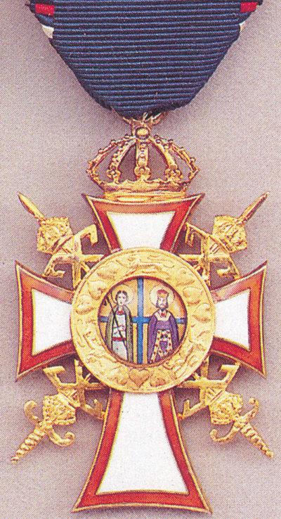 Золотой офицерский крест с мечами ордена Святых Георгия и Константина.