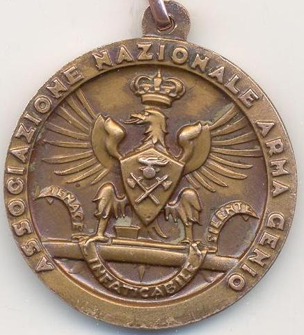 Аверс и реверс памятной медали сбора союза военных инженеров во Флоренции в 1936 году.