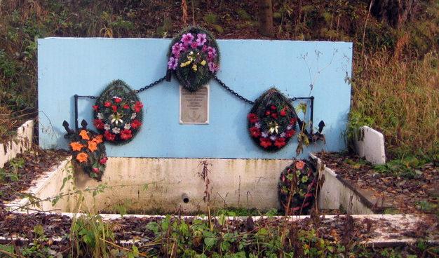 д. Глобицы, Ломоносовского р-на. Памятник морякам-балтийцам.