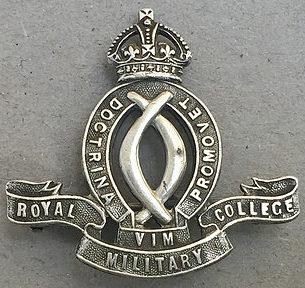 Аверс и реверс знака Королевского военного колледжа.