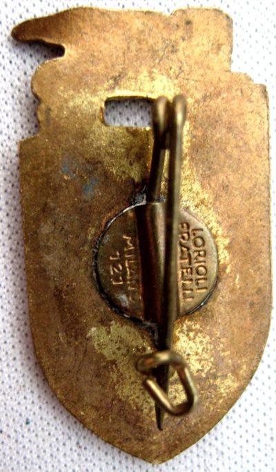 Аверс и реверс памятного знака 158-й пехотной дивизии «Zara».