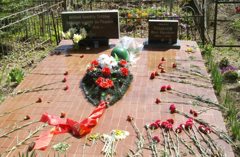 д. Верхние Осельки Всеволожского р-на. Братская могила советских воинов.