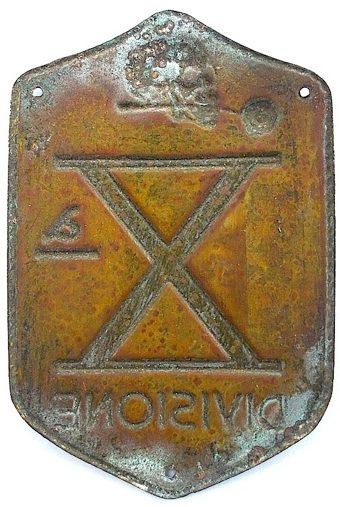 Аверс и реверс нарукавного щита 10а-й флотилии МАС. Королевство.