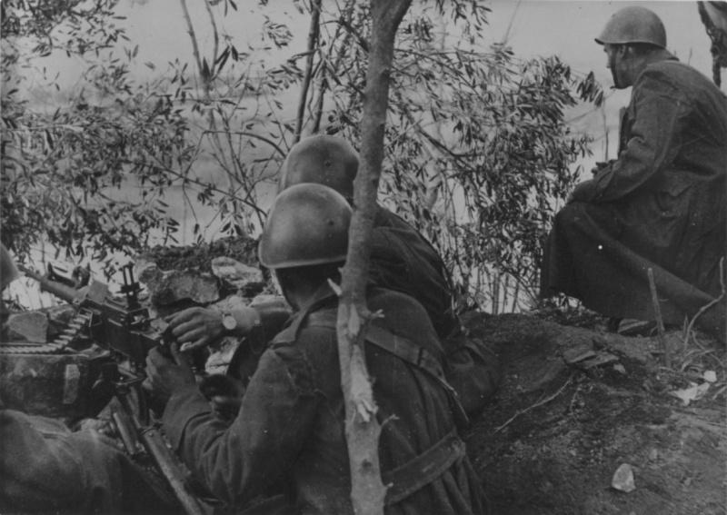 Итальянские танки в Греции. Апрель, 1941 г.
